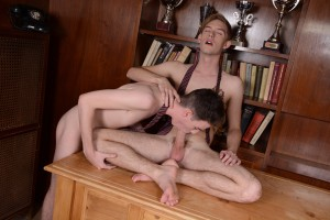 : Two hot, horny students kill time with a raw, cum-drenched flip-flop desktop fuck! HD